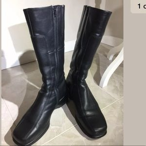 La Canadienne Blanche boots knee high size 11W